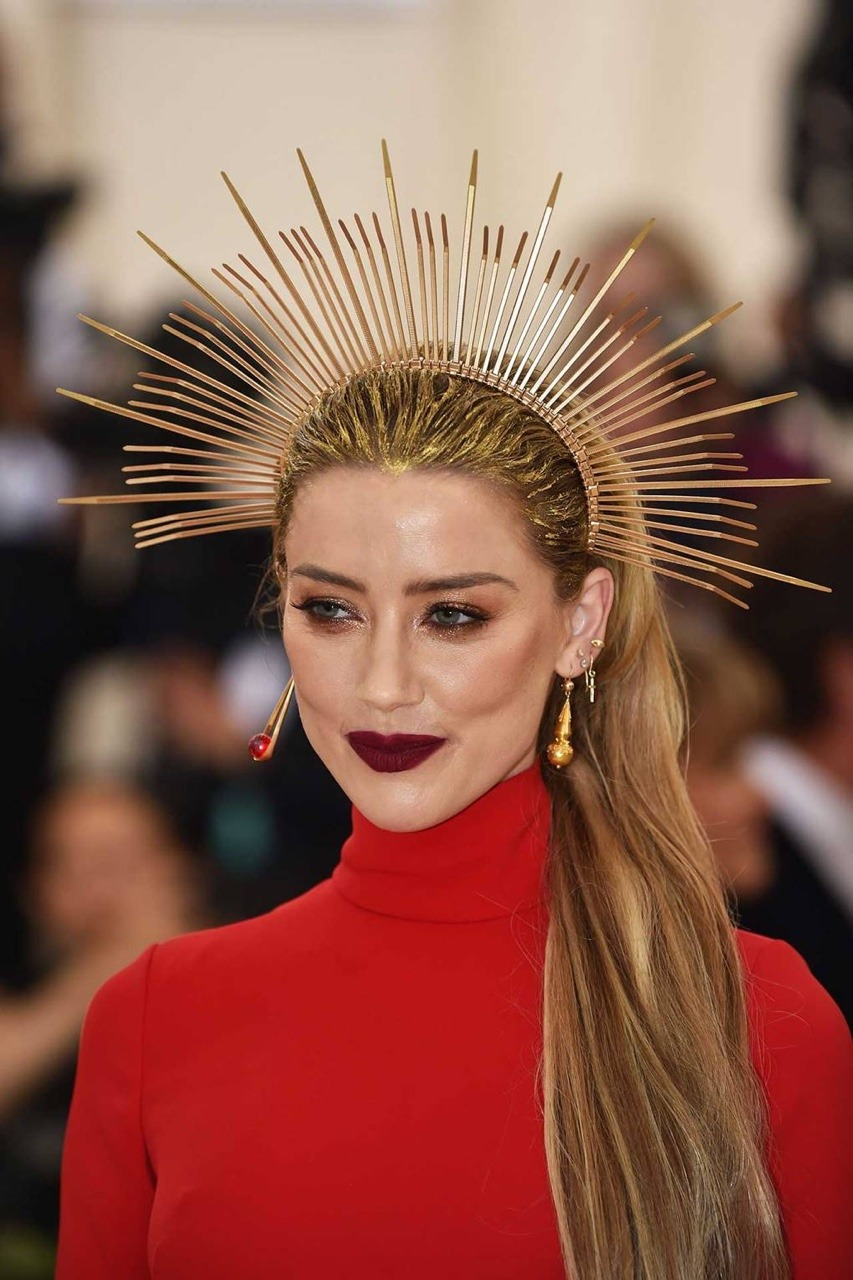 4e655dcd761 Fashion Inspiration – Met Gala 2018 Amber Heard Source Vogue.com ...